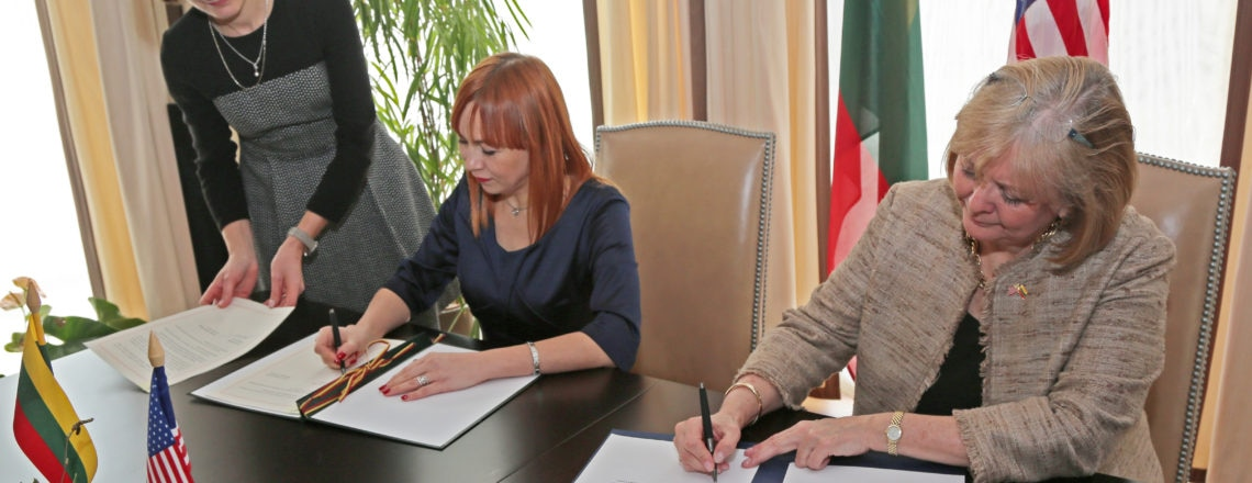 US & Lithuania Sign Fulbright Memorandum of Understanding