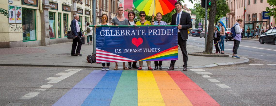 JAV ambasada Vilniuje palaiko Tarptautinę dieną prieš homofobiją ir transfobiją (IDAHOT)!